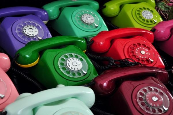 Teléfonos de varios colores
