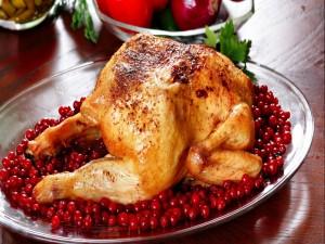 Pollo asado con grosellas