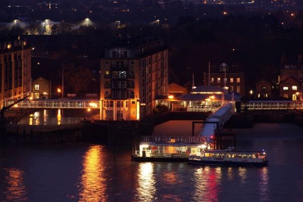 Río Támesis y el embarcadero de Rotherhithe