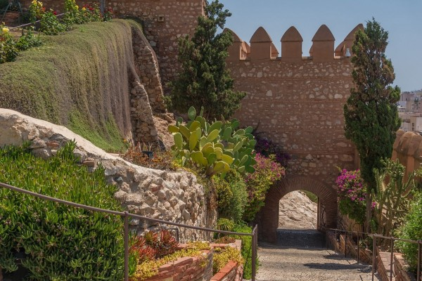 Entrada principal a la Alcazaba de Almería (España)