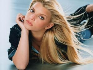 La cantante, actriz y diseñadora de moda Jessica Simpson