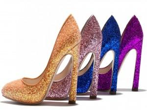 Postal: Zapatos de tacón alto y purpurina de colores