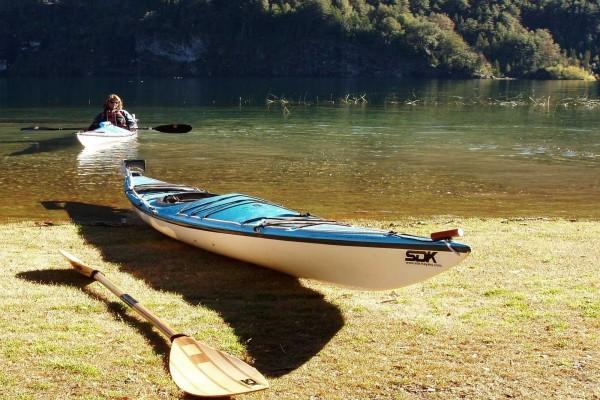 Kayak en Los Alerces (Patagonia)
