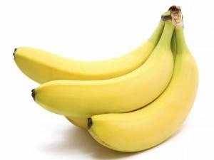 Postal: Un racimo de bananas