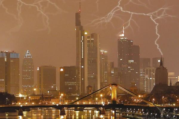 Tormenta eléctrica en Hong Kong