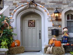 Decoración de una casa por Halloween