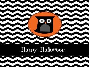 Tarjeta de ¡Feliz Halloween! con un búho