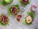 Hamburguesas vegetarianas con salsa