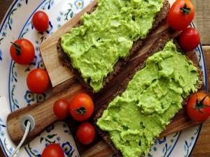 Postal: Tostadas veganas de guacamole