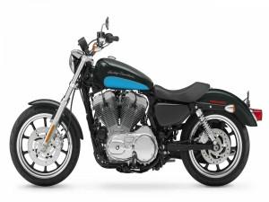 Postal: Una bonita Harley Davidson XL883L Sportster