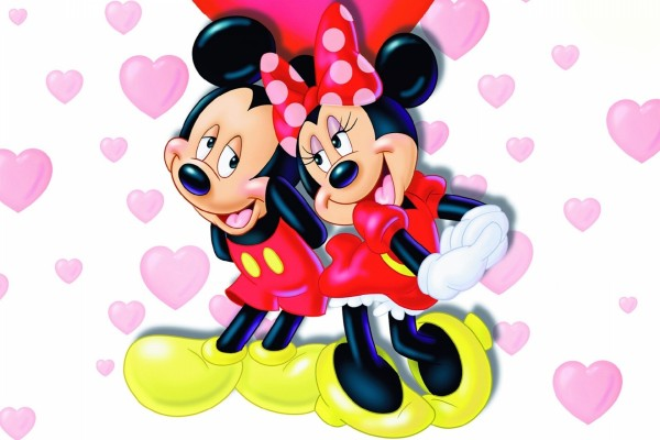 Mickey y Minnie enamorados