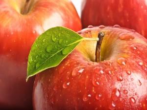 Postal: Sabrosas manzanas rojas