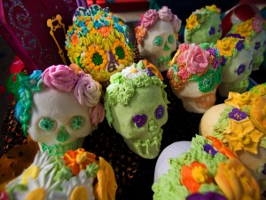 """Postal: Calaveras de azúcar para el """"Día de Muertos"""""""