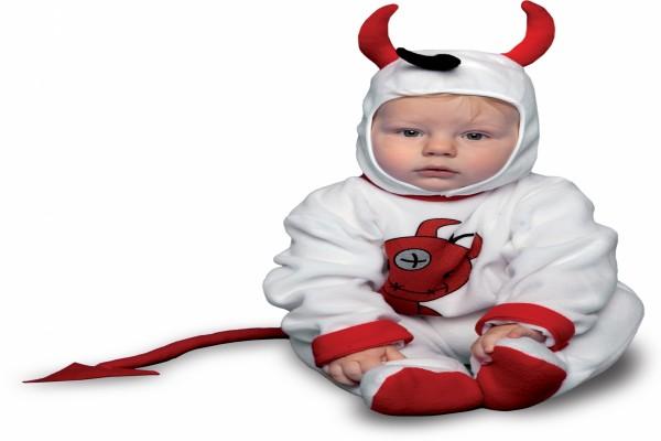 Bebé con un disfraz de diablillo para Halloween
