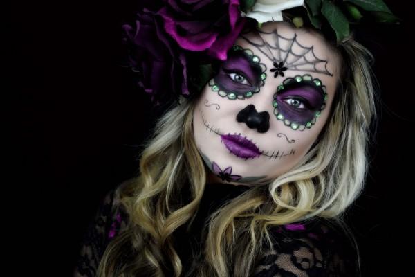 """Chica maquillada para el """"Día de Muertos"""""""