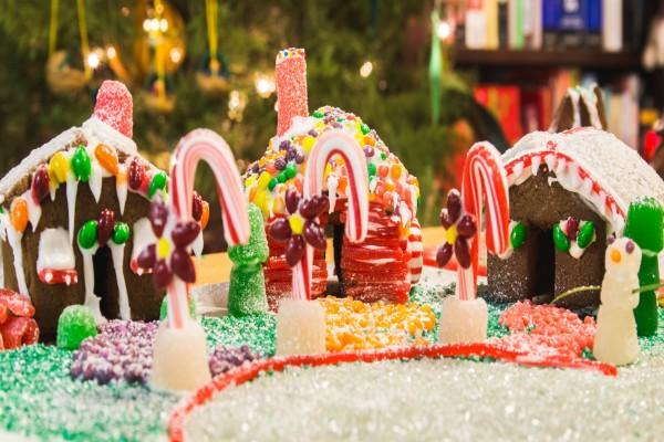 Casitas de jengibre dulces para Navidad