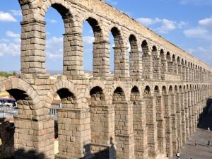 El acueducto de Segovia (España)