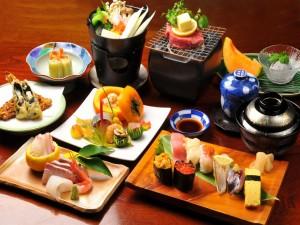 Postal: Varios platos de comida japonesa