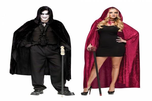 Hombre y mujer con disfraces para Halloween