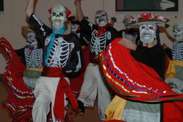Danza en el Día de Muertos (Day of the Dead)
