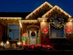 Postal: Decoración de una casa por Navidad
