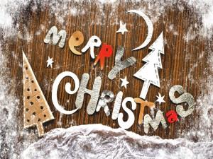 """Adornos de Navidad y letras de cartón """"Merry Christmas"""""""