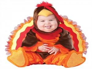 Postal: Bebé con un disfraz de pavo