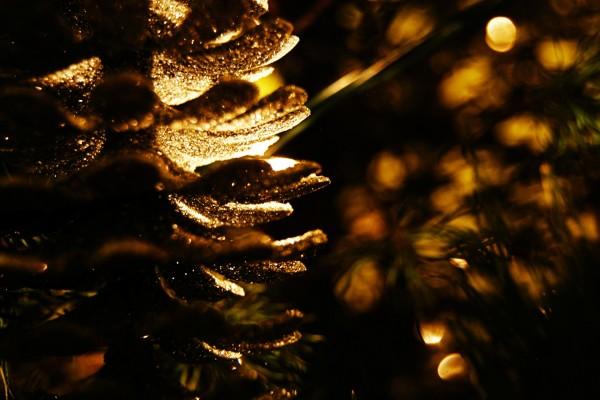 Un árbol de Navidad dorado