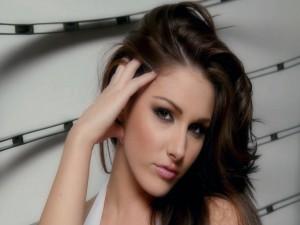 Lucy Pinder, modelo de glamour inglesa
