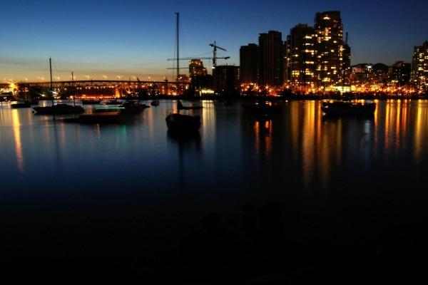 Noche en el puerto