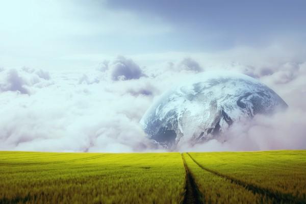 Planeta al final de la esplanada
