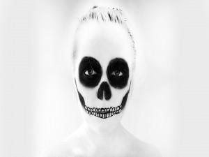 """Maquillaje blanco y negro para el """"Día de Muertos"""""""