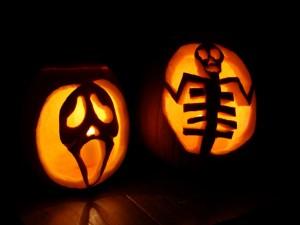 Postal: Unas originales calabazas para Halloween