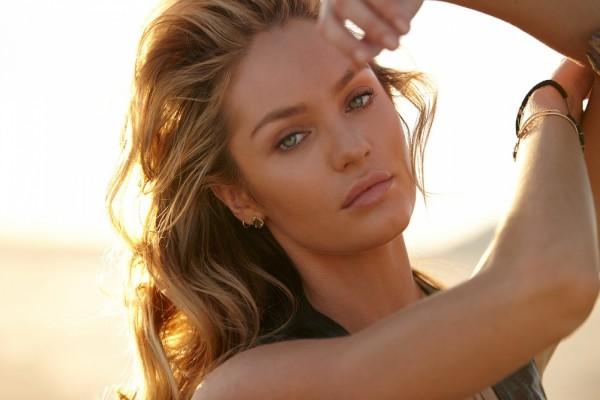 La bella modelo sudafricana Candice Swanepoel