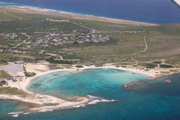 Vista aérea del golfo de Aruba