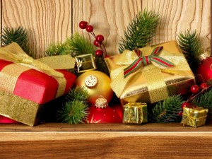 Postal: Regalos y decoración para Navidad