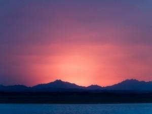 Un bonito color en el cielo al anochecer