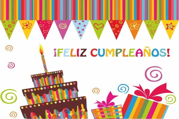¡Feliz Cumpleaños! con una tarta y regalos