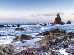 Paisaje marino con rocas