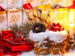 Postal: Adornos y regalos navideños