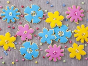 Bellas galletas de flor decoradas