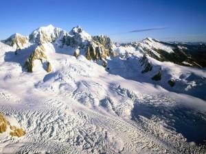 Nieve en las altas montañas
