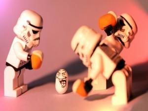 Soldados imperiales tomando unas cervezas