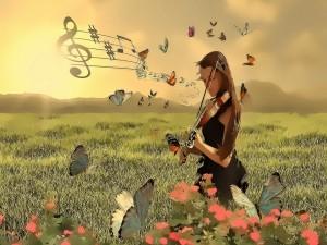 Mujer tocando el violín