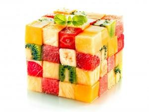 Postal: Cubo de frutas frescas