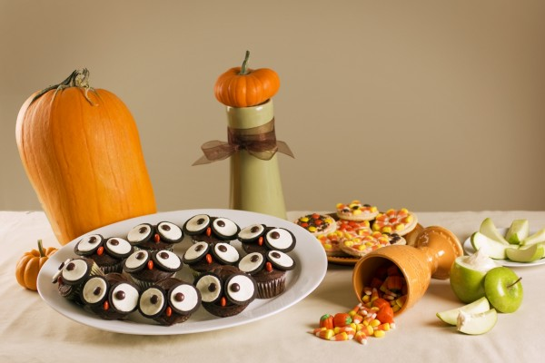 "Divertidos búhos con galletas tipo Oreo para merendar en ""Halloween"""