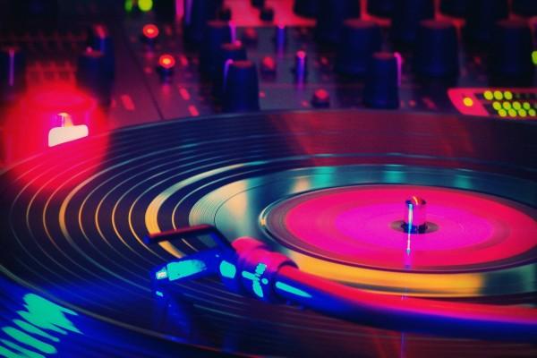 Disco girando en una discoteca