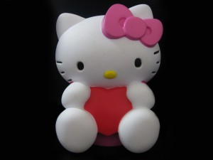 Postal: Muñeca Hello Kitty
