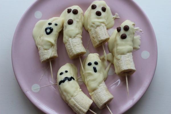 Fantasmas de plátano y chocolate para una merienda divertida