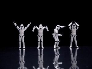 Soldados imperiales bailando